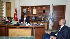 MÜSİAD Malatya Şube Başkanı Hüseyin Kalan ve Yönetim Kurulu üyeleri, Malatya Büyükşehir Belediye Başkanı Ahmet Çakır'ı ziyaret ettiler.