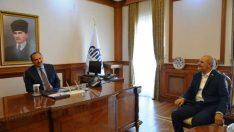 Vali Ali Kaban, MÜSİAD Malatya Şube Başkanı Hüseyin Kalan ve Yönetim Kurulu Üyelerini makamında kabul etti.